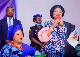 Osun state first lady commends Olori Janet Afolabi for supporting market women with interest free loans